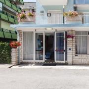 Hotel Enza